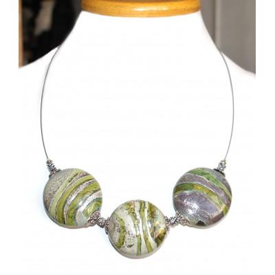 Ожерелье с плоскими бусинами