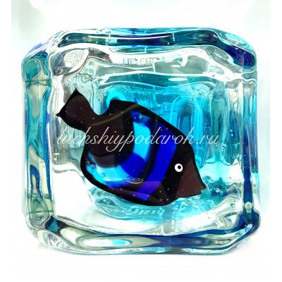Аквариум Куб с рыбкой из муранского стекла