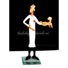 Фигурка врача акушера из муранского стекла