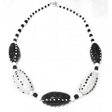 Колье Сандра черное с белым из Муранского стекла